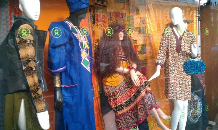 Display, retail, fashion, apolarisview, women, prints
